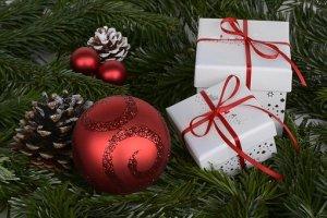 christmas-balls-1891598__340